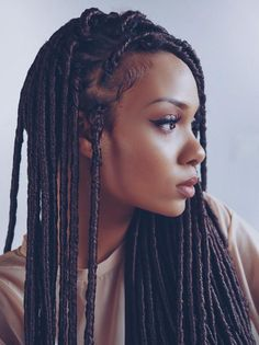 Faux locs are meant be an impression of the good, old dreadlocks.This hairstyle is protective, trendy, and it can be styled into various different designs. After going through these amazing designs, you will surely want to try the fierce faux locs. Natural Hair Twist Out, Natural Hair Styles, Twist Hair, Girl Hairstyles, Braided Hairstyles, African Hairstyles, Choppy Hairstyles, Drawing Hairstyles, Teenage Hairstyles