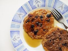 {wholemeal blueberry pancakes} This Muslim Girl Bakes: August Food + Favourites! Blueberry Pancakes, Muslim Girls, Breakfast Recipes, Baking, Food, Blue Berry Pancakes, Bakken, Essen, Meals