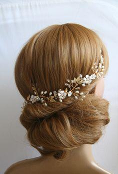 Brautkranz Haarschmuck Perlen Tiara Diadem Hochzeit Haarschmuck Gold haarkranz Gold haarschmuck Dieser Brautkranz (einen flexiblen Schmuckdraht, den man nach Belieben formen kann) ist ein ganz...