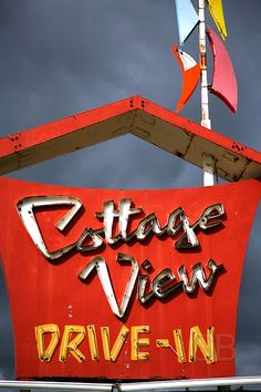 Cottage View drive-in by Studiobaker, via Flickr