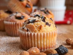 Švestkovo-mandlové muffiny - Avec Plaisir Delish, Pie, Cupcakes, Sweets, Healthy Recipes, Baking, Breakfast, Food, Olympus