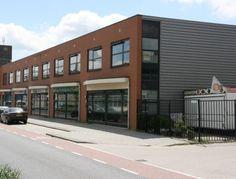 Bedrijfsruimte bestaande uit circa 120 m2 bedrijfsruimte in combinatie met circa 85 m2 kantoorruimte te huur in Rotterdam.  De bedrijfsruimte is gelegen in de Spaanse Polder en per direct beschikbaar.  http://www.huurbieding.nl/huur/bedrijfsruimte/1-00982/rotterdam/industrieweg-103.html  #bedrijfsruimte #kantoorruimte #tehuur #rotterdam #spaansepolder #opslag #bedrijfshal #rijnmond #bieden #huurbieding #mkb #huurprijs #beschikbaar