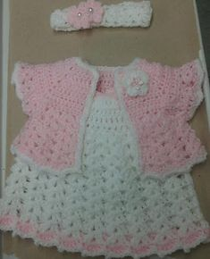 crochet baby dress by Salo Crochet Bebe, Baby Girl Crochet, Crochet Baby Clothes, Crochet For Kids, Knit Crochet, Baby Dress Patterns, Crochet Patterns, Baby Sweaters, Baby Girl Dresses
