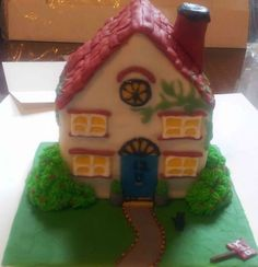 New house cake from Cakes By Nicky