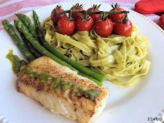 Pieta's hapjes: Tagliatelle met pesto, kabeljauw, trostomaatjes en groene asperges Fish, Chicken, Ethnic Recipes, Green Pesto, Cod, Tomatoes, Image, Pisces, Cod Fish