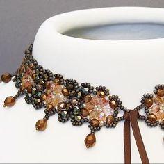 Beaded Necklace from kronleuchterjuwelen.de featured as Eye Candy in Bead-Patterns.com