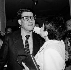 * Yves Saint Laurent et Zizi Jeanmaire, lors de l'exposition Saint Laurent au musée de la Mode. Paris, 23 juin 1986.  photo Carlos Gayoso