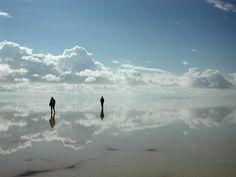 Maravilhas da natureza - Uyuni, onde o horizonte alcança o céu.