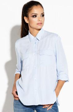 Dursi Talia koszula błękitna Rewelacyjna koszula, dostępna w dwóch modnych kolorach, wykonana z miękkiej naturalnej tkaniny, fason oversize