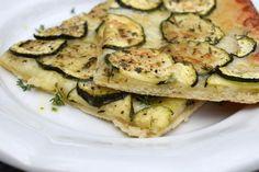 Keto Fingerfood, Vegetarian Finger Food, Keto Shakes, Tzatziki, Vegetable Recipes, Veggie Food, Finger Foods, Pesto, Zucchini