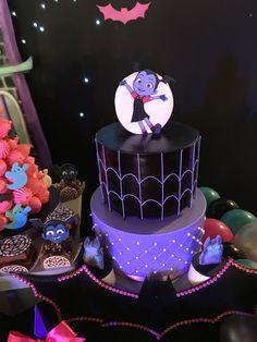 Vampirina cake