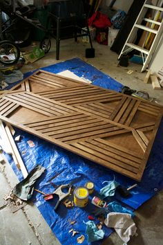 Get the how to on creating this one of a kind DIY Geometric Wood Feature Wall with Floating Bench that makes a huge statement! - diy-home-decor Diy Wand, Diy Wall Art, Wood Wall Art, Wood Walls, Wall Decor, Handmade Home Decor, Diy Home Decor, Diy Image, Image Link