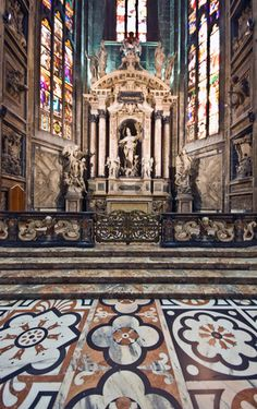 The transept of Il Duomo in Milan Baroque Architecture, Cathedrals, Altar, Gothic, Europe, Homes, Spaces, World, Travel