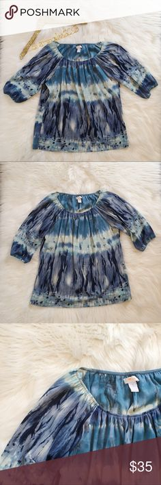 Chico's TieDye 3/4 Sleeve Blouse Excellent condition! Chico's TieDye 3/4 Sleeve Blouse. Scoop neck in front, elasticized 3/4 sleeves. So cute! Size 1 = size 8 or size M. 100% polyester. No modeling/trades. Chico's Tops Blouses