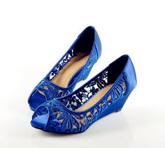 So pretty if you go with a blue shoe Danielle!