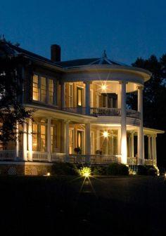 Abingdon Manor in Latta, SC, has been selected as a Top 10 Culinary Inn by BedandBreakfast.com! Congratulations y'all!