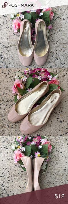 Xhilaration Patent Ballet Flats 💕💕simple style! a must have in every girl's closet...during days when you do not feel like wearing your heels! In great condition. the color is like cream to light pink. minimal signs of wear. Sharing the love💕💕 Xhilaration Shoes Flats & Loafers