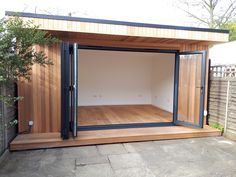Office In My Garden is a bespoke Garden Room Company based in North London specialsing in the construction of Garden Rooms, Garden Offices and Summerhouses Backyard Office, Outdoor Office, Backyard Studio, Backyard Sheds, Garden Office, Backyard Patio, Garden Studio, Garden Gym Ideas, Home Gym Design