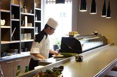 Japanese Restaurant Edinburgh, Midlothian: Kanpai Sushi