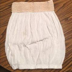 Elan tube top Never worn! Has a crochet detail at the top! A linen material very soft and lightweight! Looks tiny but it does stretch! I wear a small/medium and it fits me perfect! Tops Crop Tops