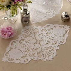 Diy Embroidery, White Embroidery, Embroidery Needles, Machine Embroidery, Embroidery Patterns, Lace Patterns, Drawn Thread, Buttonholes, Linens And Lace
