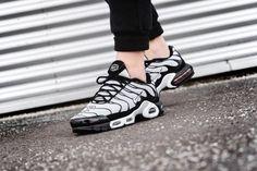 sports shoes bf415 8d0e6 Nike Air Max Plus TN    Oreo  Black White   Mens Trainers