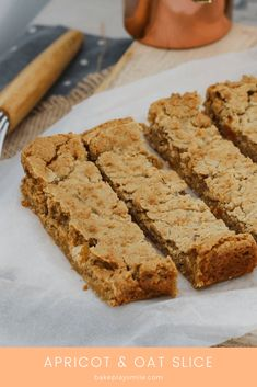 A super easy and budget-friendly APRICOT OAT SLICE that's perfect for lunch boxes. and takes only 10 minutes to make! Plus it's fussy-kid approved too! Baking recipes for kids Kids Cooking Recipes, Kids Meals, Baking Recipes, Dessert Recipes, Cooking Games, Cooking Bacon, Dessert Bars, Oat Slice, Delicious Desserts