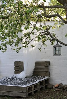 Pallet daybed...............