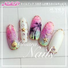 Summer. nail♡ 手描きパームツリーに ネオンカラーのグラデーションにシアーホワイトを多めにかけて優しく魅せたドロップアート テープアートにシェル スターフィッシュ アクセサリー♡ 可愛い夏モチーフも沢山。 インパクトはあるけれど、どこかロマンチックなSummer. design♡です♥︎ #YokoShikata♡キアラ #ネイルブック