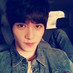 CNBLUE's Jonghyun asks fans if they know his birthday #CNBLUE