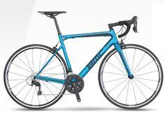Per il 2016 la #Bmc rinnova la famiglia #Teammachine SLR, proponendo un nuovo look per venire incontro alle richieste del mercato - nuovi colori, ruote e modifiche nelle specifiche tecniche di qualche componente.  Ecco caratteristiche e foto  http://www.mondociclismo.com/ciclismo-bmc-rinnova-la-famiglia-teammachine-slr-caratteristiche-e-foto20150811.htm  #ciclismo #mondociclismo #Bici2016