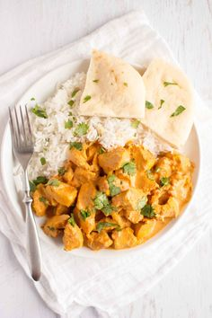 Now one of the most delicious meals from your favorite Indian restaurant can be made in the comfort of your own home, and with the ease of a slow cooker. This Slow Cooker Tikka Masala recipe is one of the best! Slow Cooker Recipes, Crockpot Recipes, Chicken Recipes, Cooking Recipes, Slow Cooker Tikka Masala, Bariatric Recipes, Freezer Meals, Yummy Food, Delicious Meals