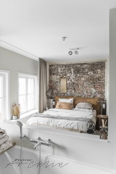 35 Cozy Master Bedroom With Brick Wall Decoration Ideas Home, Home Bedroom, House Styles, Bedroom Inspirations, Home Deco, Brick Wall Bedroom, Cozy Master Bedroom, Bedroom Wall, Bedroom