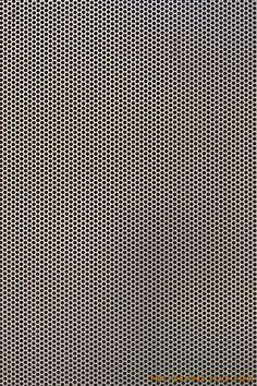 Metalen plaat: structuur is metaal, de textuur is geperforeerd.