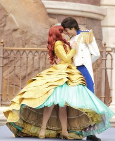 AHW MY HEART! i rlly want to be a disney princess in disney world