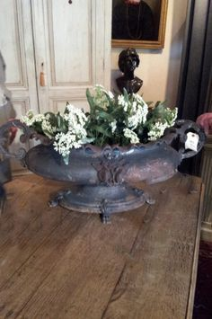 ~linen & lavender: Antique & Vintage Finds:   Cast Iron Urn
