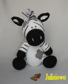 Blue Nose Friends Zebra - PDF pattern Julisiowo Etsy Muñeca de ganchillo Cebra Blue Nose Friends PDF patrón https://www.etsy.com/listing/209169399/crochet-zebra-like-a-chip-the-zebra-blue?ref=shop_home_active_5