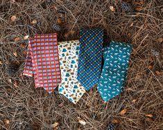 Shop for the Clear & Pheasant Danger Green Tie, a Green Silk Tie by Alynn. Green Tie, Mens Fall, Pheasant, Silk Ties, Oc, Autumn Fashion, Style, Green Bow Tie, Swag