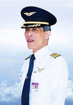 ประมวลภาพ สมเด็จพระเจ้าอยู่หัว รัชกาลที่ 10 - thairath.co.th King Of Kings, My King, King Queen, Thai Princess, Prince And Princess, King Rama 10, King Thailand, Bhumibol Adulyadej, The Past