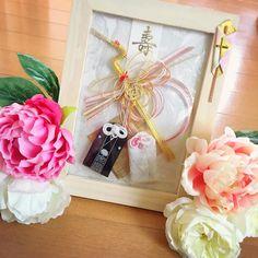 ウェルカムスペースに飾りたい夫婦守のディスプレイ特集 | marry[マリー] Plywood Furniture, Design Furniture, Japanese Wedding, Wedding Welcome, Gift Wrapping, Display, Gifts, Instagram, Space