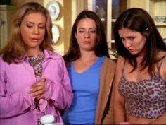 Fantasy TV Shows with Strong Female Characters Serie Charmed, Charmed Tv Show, Beautiful Witch, Beautiful Young Lady, Phoebe And Cole, Fantasy Tv Shows, Holly Marie Combs, Strong Female Characters, Shannen Doherty