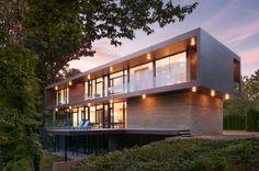 Riggins House / Robert M. Gurney Architect