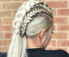 Best Ponytail Hairstyles - Easy High and Low Ponytails To Try * 2020 - Elegant Life Braided Mohawk Hairstyles, Box Braids Hairstyles, Braided Updo, Cool Hairstyles, African Hairstyles, Mohawk Braid Updo, Long Hair Mohawk, Mohawk Braid Styles, Wedding Hairstyles