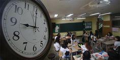 9시 등교가 모든 것을 해결하리라? [2014.09.15 제1027호] [기획] 등교 시간 늦춰 학생들의 수면 시간 보장하는 등 실효성 갖추려면 교육 본질 비롯한 다차원적 검토 있어야 해