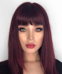 63 Hot Red Hair Color Shades to Dye for: Red Hair Dye Tips & Ideas - New Hair Styles Shades Of Red Hair, Red Hair Color, Cool Hair Color, Red Color, Beautiful Hair Color, Dyed Tips, Hair Dye Tips, Red Hair Tips, Pelo Color Vino