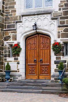 Rhinebeck, NY Winter Decor - traditional - Entry - New York - Rikki Snyder