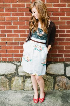 sweet floral high-waisted skirt >> Love the necklace too! Cute Skirts, Pants Outfit, Modest Outfits, What I Wore, Work Wear, Style Me, High Waisted Skirt, Dressing, Fashion Outfits