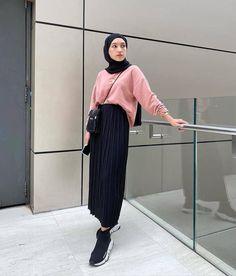 Modern Hijab Fashion, Street Hijab Fashion, Hijab Fashion Inspiration, Muslim Fashion, Cool Street Fashion, Fashion Outfits, Casual Hijab Outfit, Ootd Hijab, Hijab Chic