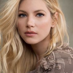 With Vikings nearing the end of its run, star Katheryn Winnick has booked her next series. Lagertha Hair, Vikings Lagertha, Vikings Tv, Ragnar Lothbrok, Katheryn Winnick Vikings, Bracelet Viking, Viking Jewelry, Canadian Actresses, Some Girls