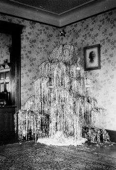 1000+ images about Christmas trees on Pinterest | Tinsel tree ...